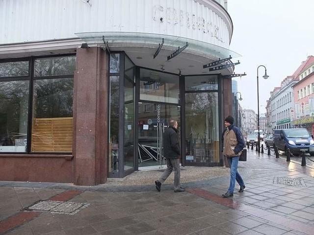 Po Conieco w Opolu dyskontu nie będzieLokal na placu Wolności jest pusty od listopada, gdy opuścił go poprzedni najemca.