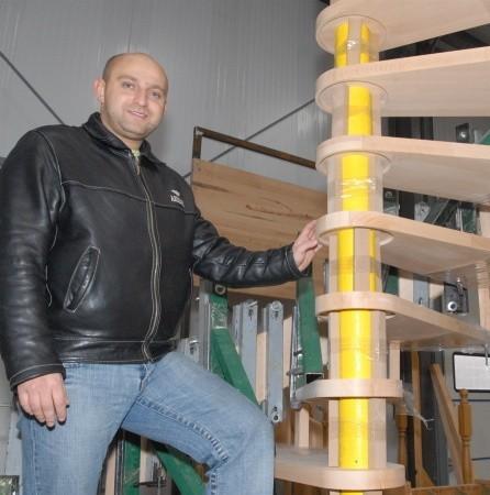 - Schody ,,kręcone'' to jeden z wielu wzorów jakie wykonujemy w firmie - mówi Patryk Borkowski