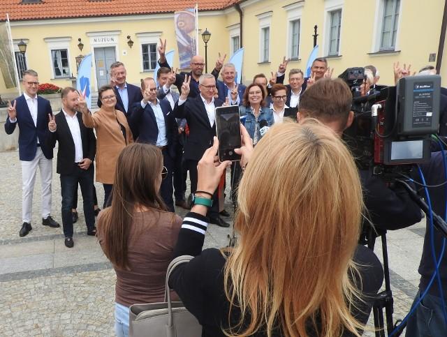 Nie wszyscy parlamentarzyści pojawili się na Rynku Kościuszki. Część już wcześniej rozjechała się po regionie.