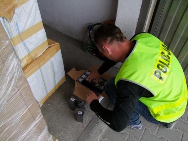 Podróbki perfum przejęte przez poznańskich policjantów