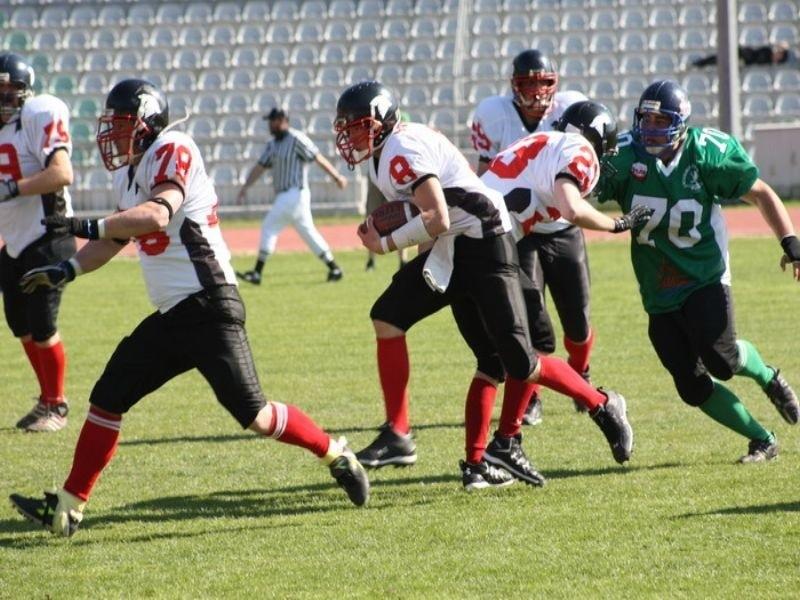 W meczu II ligi futbolu amerykanskiego, Griffons Slupsk przegrali z Warsaw Spartans 0:58.