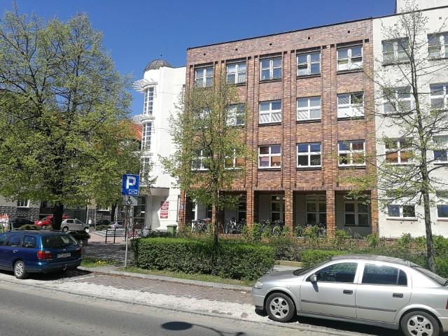 Przy ul. Mickiewicza działa Wydział Gospodarczy.