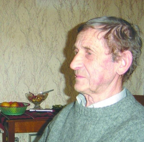 Grzegorz Łapiński w ZNTK przepracował prawie czterdzieści lat. Teraz jest na emeryturze: - Kiedyś zleceń było tak dużo, że musieliśmy zostawać po godzinach, a także pracować w niedzielę - wspomina.
