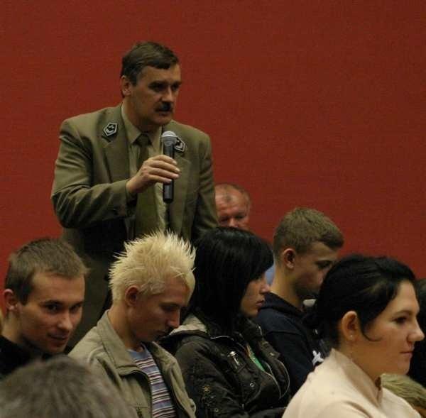 - Mamy tu ciszę i spokój, możemy tym przyciągnąć turystów - mówił na debacie mieszkaniec Wojciech Grochela