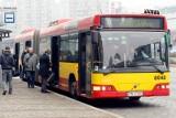 Autobus linii D utknął w pół drogi. Kierowca wezwał ekipę mechaników