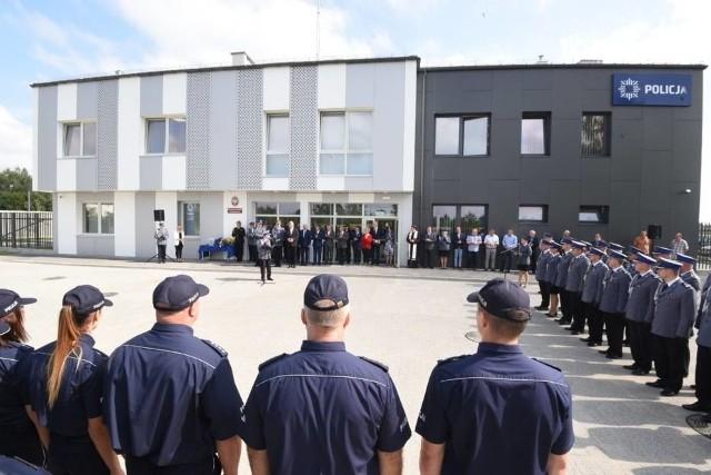Od lipca ubiegłego roku w Dobrzejewicach działa nowy komisariat, który zastąpił ten mający dawniej siedzibę w Lubiczu. Oprócz tego w całym regionie przywrócono osiem posterunków policji.