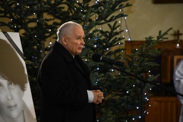 Policja umorzyła postępowanie w sprawie mszy z udziałem Jarosława Kaczyńskiego. Unia Młodych składa skargę do Rzecznika Praw Obywatelskich