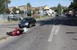 Wypadek na 11-go Listopada. Motorowerzystka uderzyła w skodę