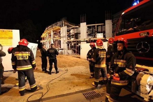 Zawaliło się około 30 mkw. stropu. Gruz przygniótł  41-letniego robotnika wylewającego w tym czasie beton.
