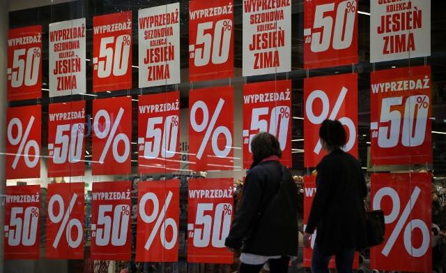 Średnie obniżki w największych sklepach e-commerce sięgnęły 7-8 proc.