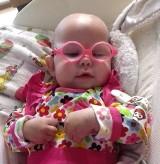 Michalinka z Brzegu walczy o zdrowie. Poród, jakich wiele, zakończył się dramatem. Dziewczynka ma 1,5 roczku, a funkcjonuje jak niemowlak