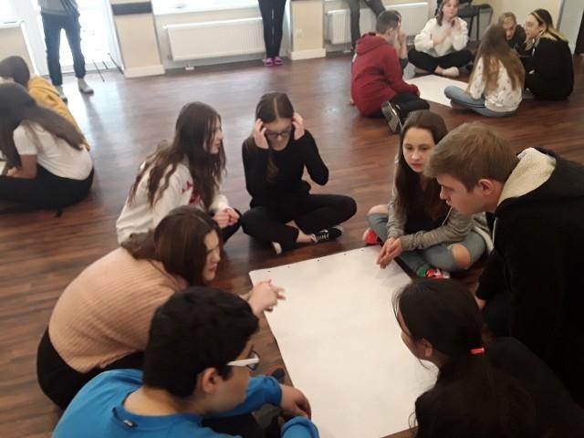 Zajęcia dla uczniów ze Skaryszewa na obozie były prowadzone w języku angielskim przez wolontariuszy.