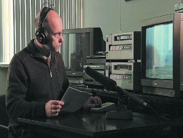 Jarosław Krawczyk nagrywa audiodeskrypcję