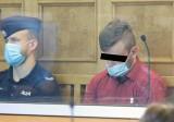 Proces oskarżonych o brutalne zabójstwo mężczyzny w Ozorkowie zaczął się w Sądzie Okręgowym w Łodzi