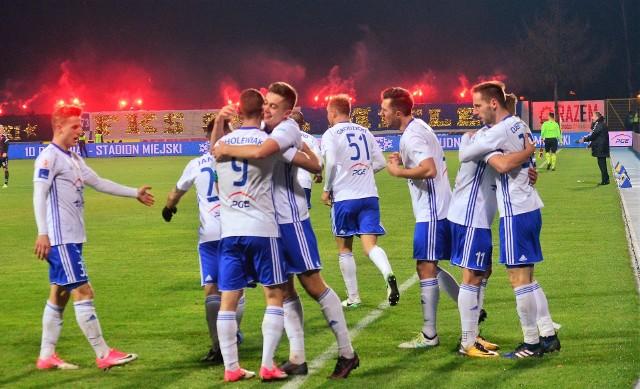 Piłkarze Stali Mielec w ostatnim ligowym meczu w tym roku pokonali GKS Tychy 3:0 (1:0). Bramki zdobyli: Mateusz Cholewiak, Dejan Djermanović i Maksymilian Banaszewski.