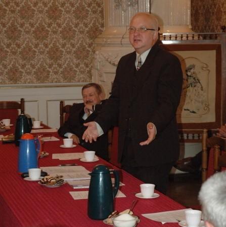 - Nie ma pan czasu na spotkanie z mieszkańcami - zarzucał burmistrzowi radny Henryk Sienkiewicz
