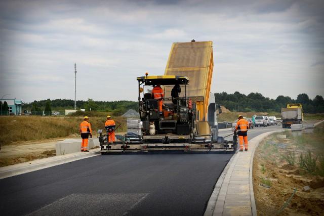 Obecnie trwa budowa części od ul. Średzkiej do ronda na ul. Granicznej