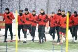 Trener Widzewa będzie oceniać umiejętności piłkarzy z niższych lig