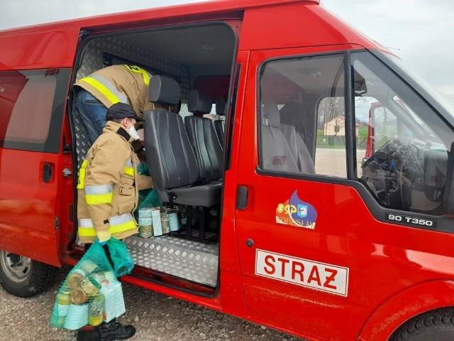 Druga partia żywności trafiła do najbardziej potrzebujących mieszkańców gminy Wodzisław. Pomoc otrzymało 700 osób.