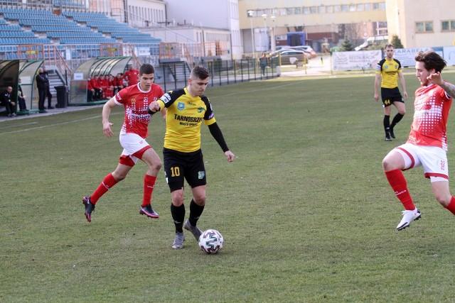Mateusz Janeczko strzelił gola i dostał czerwoną kartkę