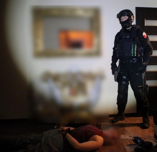 Policja: Zatrzymano 17 podejrzanych, w tym Westerna [ZDJĘCIA, WIDEO]