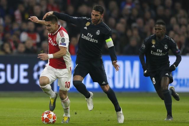 """Sergio Ramos (w środku) """"wykartkował"""" się z rewanżowego meczu z Ajaksem, żeby przystąpić z czystym kontem do ćwierćfinałów Ligi Mistrzów. Ostatecznie awansował jednak do nich zespół z Amsterdamu"""