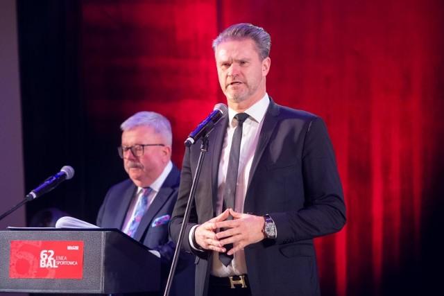 """- Pojawiło się sporo krytycznych głosów, ale wynikały one z odczuć uwarunkowanych """"interesami"""" - mówi prezes Wielkopolskiego ZPN Paweł Wojtala."""