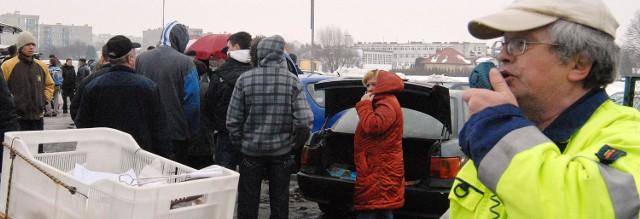 Krzysztof Szczurko w akcji na placu przy ul. Targowej w Rzeszowie