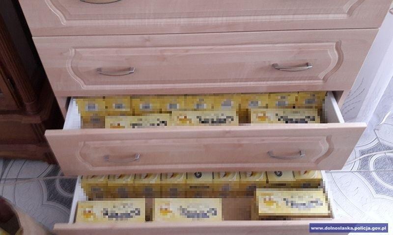 67-latek handlował nielegalnym spirytusem i papierosami