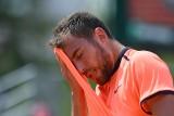 """Roland Garros. Janowicz przegrał z japońskim kwalifikantem, niechlubny """"rekord"""" Kerber"""