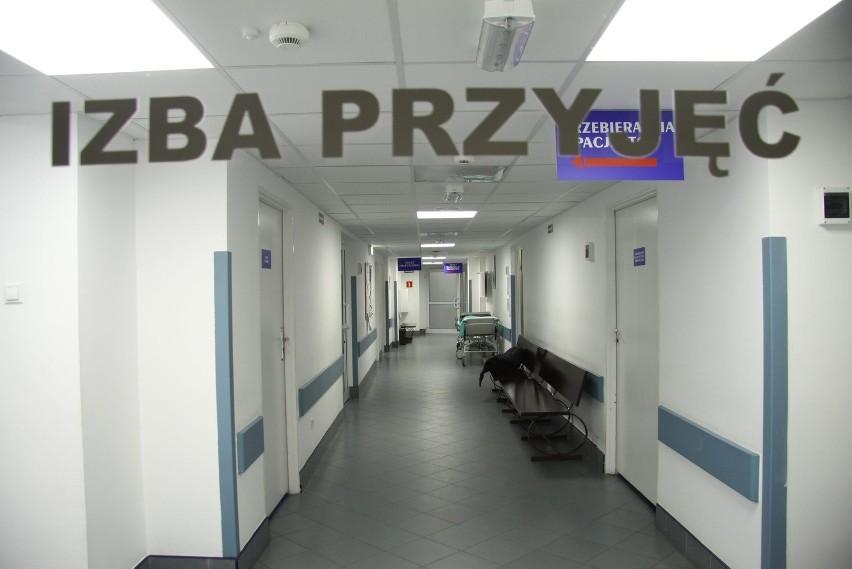 Z izby przyjęć szpitala Jana Bożego przy ul. Kruczkowskiego pacjenci chorzy na serce są odsyłani karetką do innych placówek