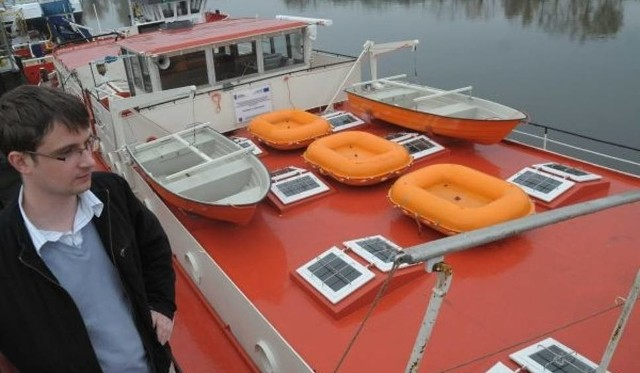 Przyszli marynarze i kapitanowie pływają po Odrze i Kanale Gliwickim.  Po zakończeniu nauki mogą liczyć na pracę, chociaż dotychczas najłatwiej było o nią za granicą.