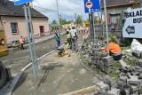 Skawina. Przedłużono termin zakończenia prac na torowisku przy ul. Tynieckiej w rejonie przejazdu kolejowego. Będzie otwarty 1 czerwca