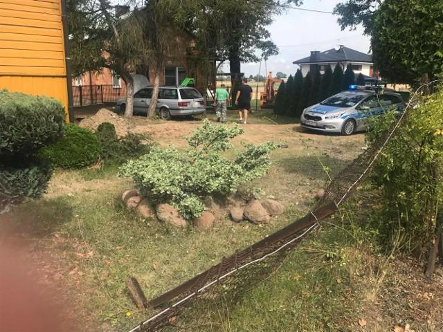 Zaborowo. 72-letni mieszkaniec powiatu makowskiego staranował ogrodzenie posesji, 20.08.2019