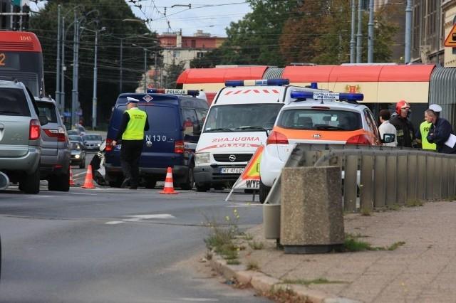 Zderzenie karetki i samochodu osobowego w centrum Gdańska