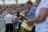 Lublin: Nie będzie modlitwy na stadionie i gremialnego chrzczenia nowych wiernych. Świadkowie Jehowy przenoszą się do sieci