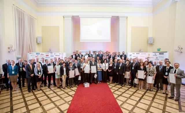 Wręczenie ostatnich zezwoleń odbyło się 8 lipca w Zamku Książ. W pierwszym półroczu br. Invest-Park wydał ich 65.