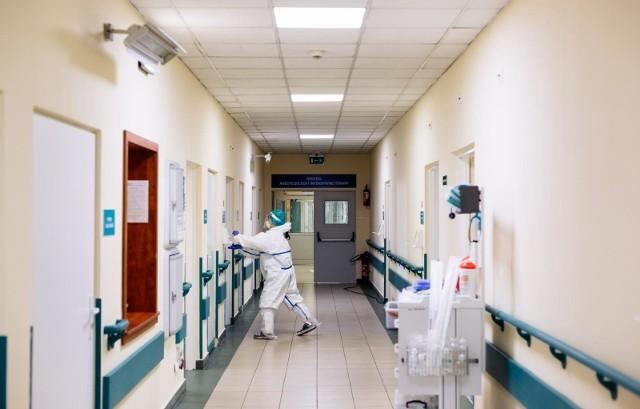 Ministerstwo zdrowia informuje o nowych zakażeniach koronawirusem w kraju
