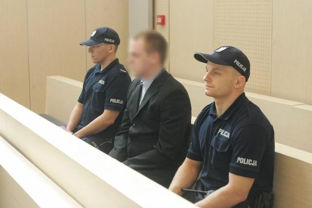 Rozpoczął się proces Pawła T., studenta prawa oskarżonego o zabójstwo na Półwiejskiej