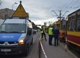 16-latka wpadła pod tramwaj na Piłsudskiego. Policja poszukuje świadków