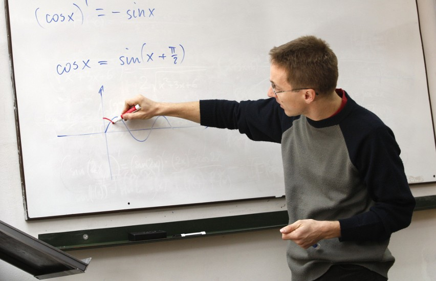 Nauczyciele mogą przejść na wcześniejszą emeryturę jeśli...