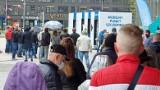 Kolejna akcja szczepień przed Świętokrzyskim Urzędem Wojewódzkim w Kielcach. Jest zmiana godzin