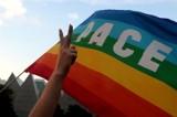 """Łososina Dolna. Aktywista może zapłacić grzywnę za tabliczkę z napisem """"Strefa wolna od LGBT"""""""