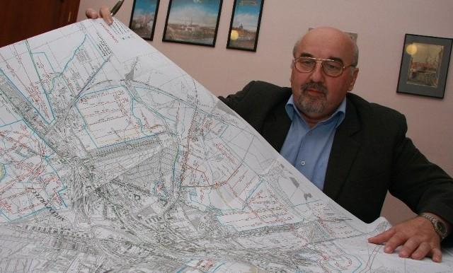 - Trzeba wyprowadzić sieć sanitarną poza miasto, bo w przeciwnym razie za kilka lat dojdzie do całkowitego zatoru kanalizacji w Międzyrzeczu - przekonuje Zbigniew Piotrowski z Urzędu Miejskiego.