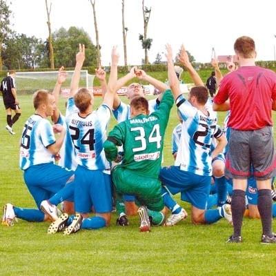 Po każdym golu piłkarze Wigier Suwałki oddawali hołd Rafałowi Trockiemu