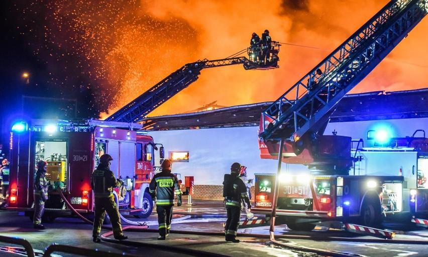 W poniedziałek późnym wieczorem doszło do pożaru marketu...
