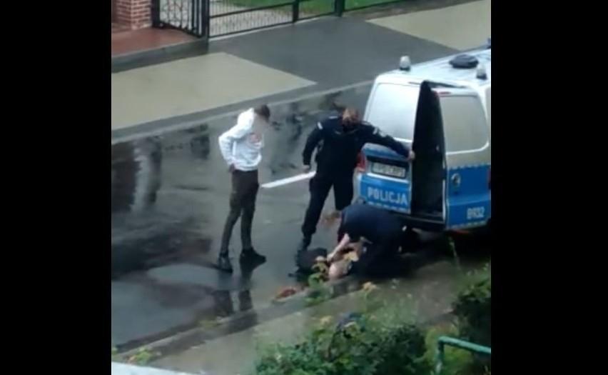 Interwencja policji w Lubinie 6.08.2021, kadr z filmu