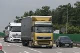 Tutaj nie wolno już ciężarówkom wyprzedzać. Na Autostradowej Obwodnicy Wrocławia wprowadzono zakaz wyprzedzania przez samochody ciężarowe