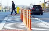 ZIELONA GÓRA: Część kierowców uważa, że to absurd na skrzyżowaniu Aglomeracyjnej i Dąbrowskiego [ZDJĘCIA]