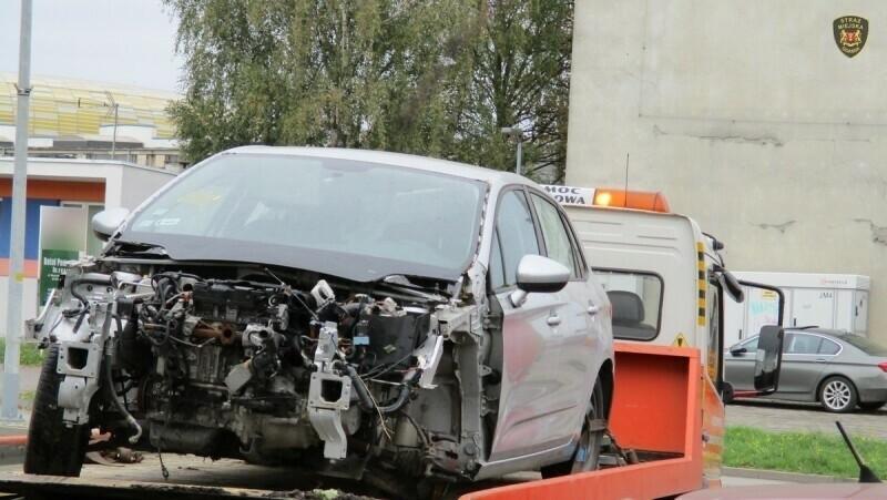 Straż Miejska w Gdańsku powołała zespół zajmujący się porzuconymi pojazdami. Efekt? Z ulic zniknęły 143 nieużytkowane auta